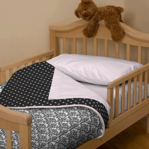 black-and-white-damask-toddler-bedding